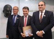Dirigentes de COREs se reuniram com deputado federal de SC, autor de Projeto de Lei que propõe isenção de IPI para representantes comerciais na compra de veículos. Presidente do CORE-SC pediu apoio à bancada catarinense em Brasília.